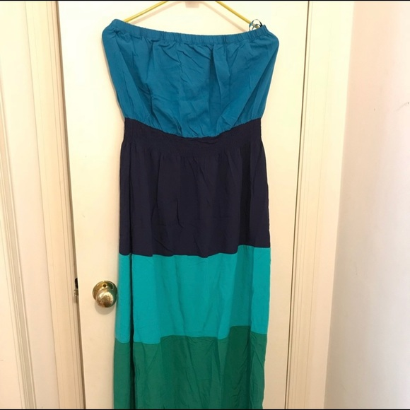 4ba492b95d06f Old Navy Dresses | Large Strapless Dress See 3rd Picture | Poshmark